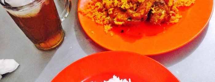 Ayam Goreng Kremes Valentine is one of Kuliner Bekasi.