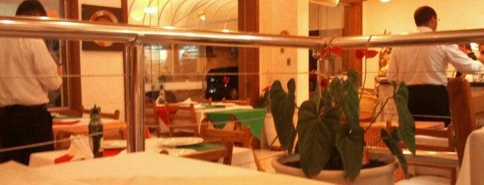 Via Pizza is one of Comida.