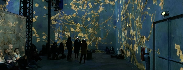 Van Gogh — La Nuit Étoilée is one of França.