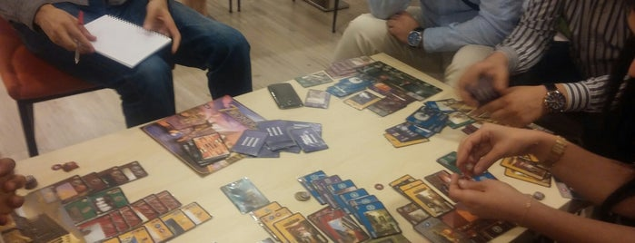 Da Vinci Escape & Board Game Cafe is one of Cglyn.