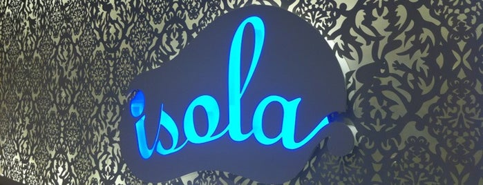 Isola Bar & Grill is one of Tempat yang Disimpan Edward.