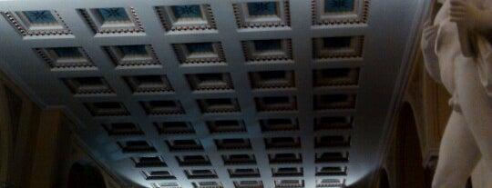 Apollon Theater is one of Locais curtidos por Adamantia.