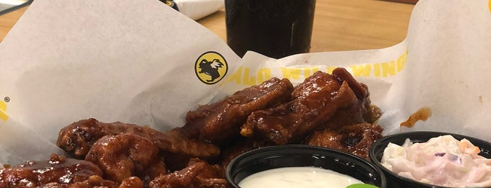 Buffalo Wild Wings is one of Lugares favoritos de Mohammad.