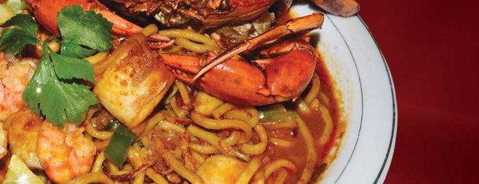 Mie Aceh Titi Bobrok is one of Medan culinary spot.