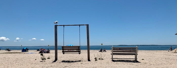 Orient Beach State Park is one of Lugares favoritos de Swen.