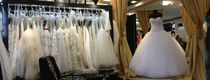 Slanovskiy Wedding Dresses is one of Lugares favoritos de Julia.