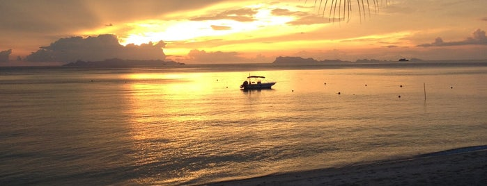 Flames is one of A Perfect Day in Koh Samui.