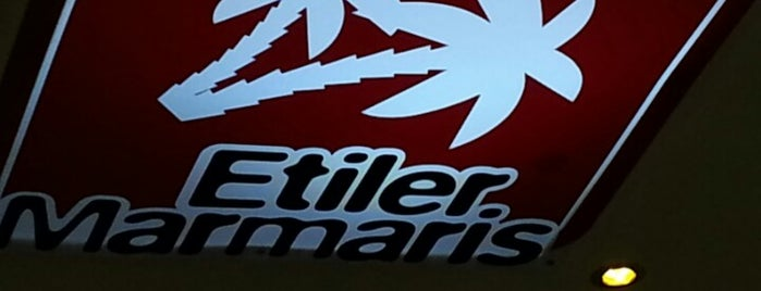 Etiler Marmaris Büfe is one of Yarenさんのお気に入りスポット.