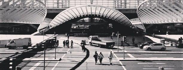 Gare do Oriente - Paragem 330 is one of Lugares favoritos de Jan-Paul.