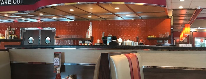 New Rochelle Diner is one of Asiaさんのお気に入りスポット.