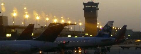 워싱턴 덜레스 국제공항 (IAD) is one of International Airport Lists (2).