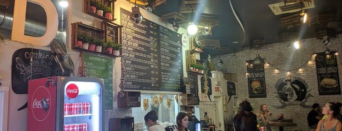 Toto's Burger Bar is one of Cosy Croatia🇭🇷😎.