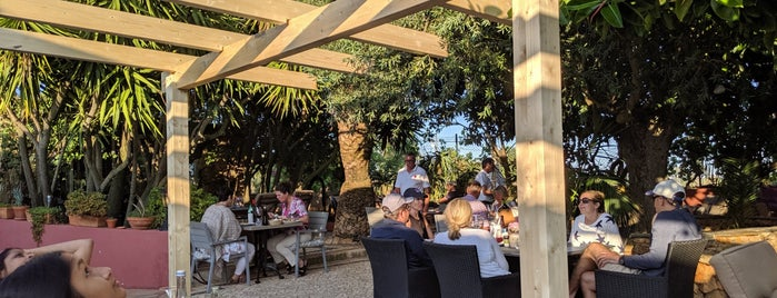 Restaurante O Barradas is one of Algarve.