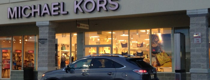 Michael Kors Outlet is one of Senem Şeydaさんのお気に入りスポット.
