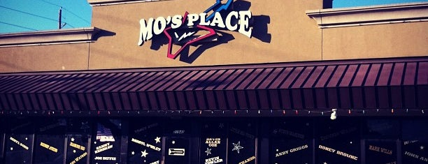 Mo's Place is one of Davidさんのお気に入りスポット.