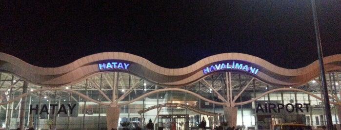 İç Hatlar Terminali is one of Locais curtidos por Pelin.