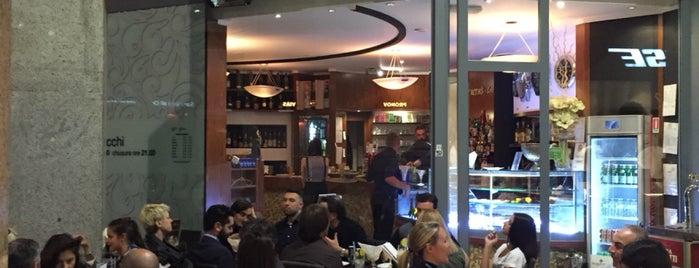Twin's Café is one of Milano da bere.