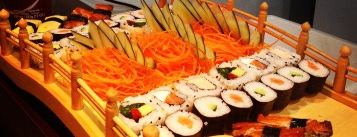 Sushi Boat is one of Locais curtidos por Laila.