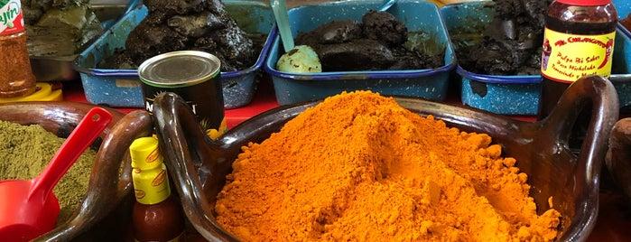 Mercado de Coyoacán is one of Carlos'un Beğendiği Mekanlar.