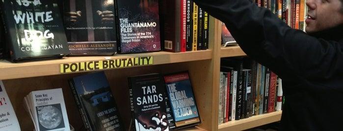 Revolution Books is one of Lieux qui ont plu à Matt.