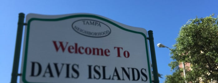 Davis Islands is one of สถานที่ที่บันทึกไว้ของ Clarissa.