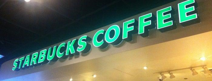 Starbucks is one of Lugares favoritos de Christian.