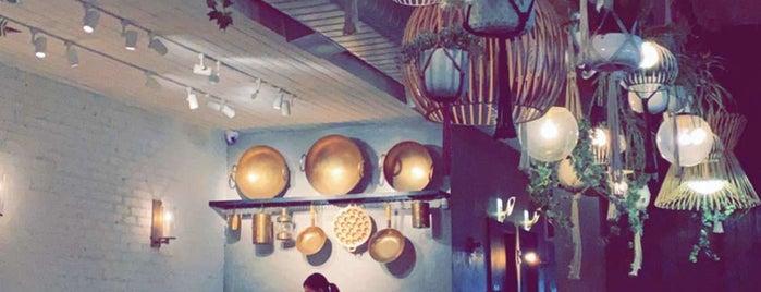 THEP Thai Restaurant is one of Lieux sauvegardés par Meg.
