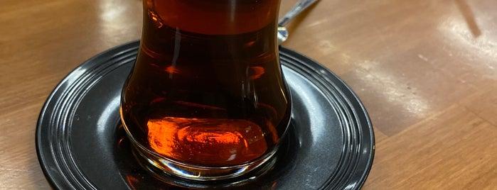 Neva Cafe & Bistro is one of Locais curtidos por Merve.