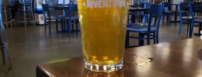 Rivertown Brewery & Barrel House is one of Posti che sono piaciuti a Ted.