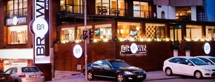 Brown Cafe&Bistro is one of Önder Bozdemir Mekanları.
