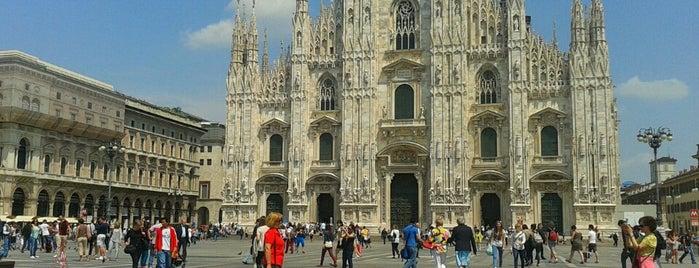 Piazza del Duomo is one of Lugares donde estuve en el exterior.