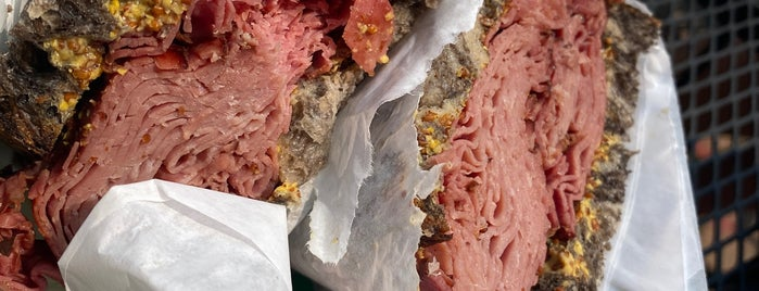 Jeff & Judes - A Jewish Deli is one of Chicago - Sandwiches & Lunch.