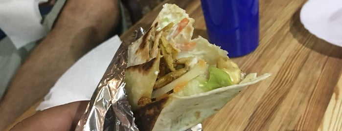 Halal Shawarma King is one of Lugares favoritos de Evan.