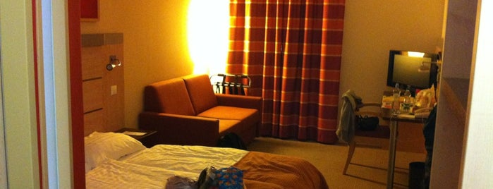 Chopin Hotel is one of Posti che sono piaciuti a Taras.