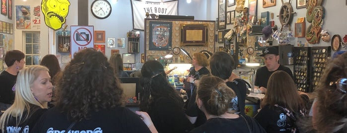 Idle Hands Tattoo Parlour is one of NOLA.
