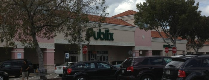 Publix is one of Tempat yang Disukai Catherine.