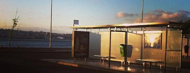Terminal Rodoviário de Cacilhas is one of Pedro'nun Beğendiği Mekanlar.