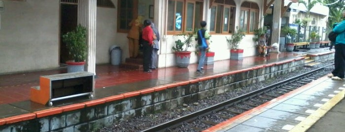 Stasiun Kemayoran is one of My Places :).
