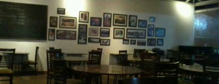 Cafe Vishala is one of Lugares favoritos de Wayne.