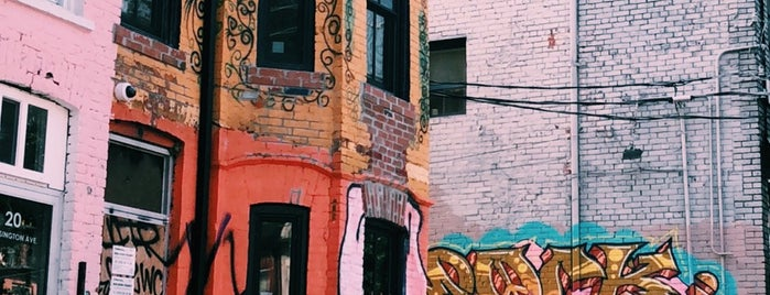 Kensington Market is one of CAN Toronto Favourites.