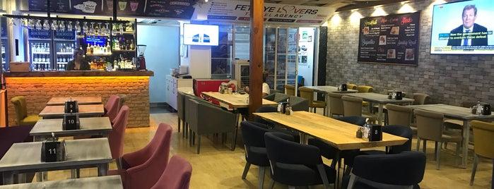 Maria's English Restaurant & Bar is one of Posti che sono piaciuti a Mert Güven.