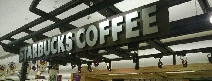 Starbucks is one of Lugares favoritos de Leonda.