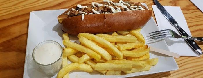 the BLACK DOG Hotdogs Karlsruhe is one of Karlsruhe beloved.