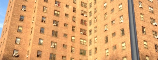 Polo Grounds Towers - NYCHA is one of Lieux sauvegardés par Ba¡lعyڪ®.