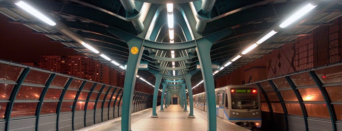 metro Bulvar Admirala Ushakova is one of Posti che sono piaciuti a Ramil Damirovich.