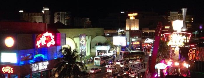 James Pub Cancun is one of สถานที่ที่ Rafa ถูกใจ.