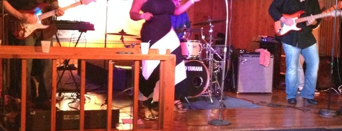 Tin Hall - Cypress is one of Bonnie'nin Beğendiği Mekanlar.