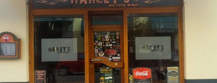 Harley's retro bar is one of Veronica : понравившиеся места.