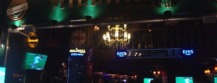 Millwall English Pub is one of Tempat yang Disimpan Mustafa.