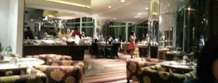 Acaci Restaurant is one of Posti che sono piaciuti a Chanine Mae.